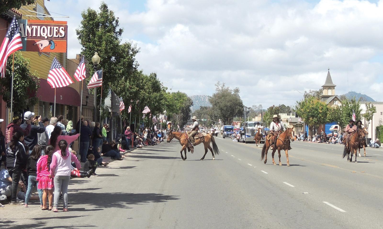 Rodeo parade 1.jpg