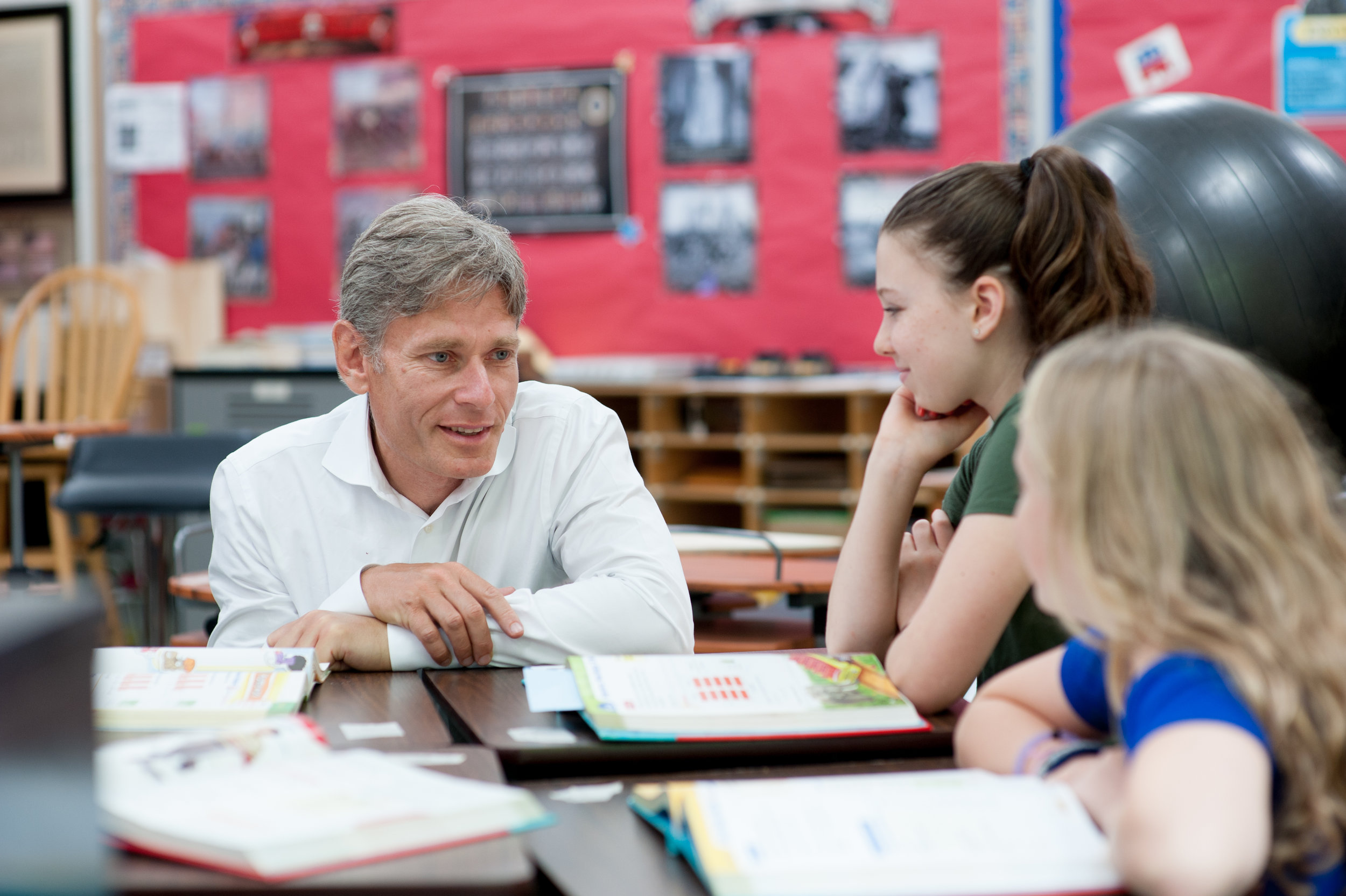 Tom Malinowski with Young School Students
