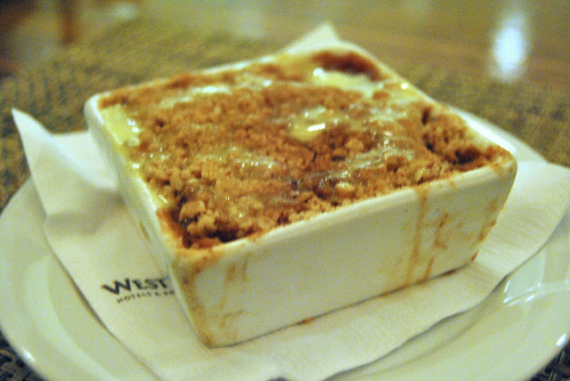 Apple Honey Oat Crumble - white tea and vanilla cream