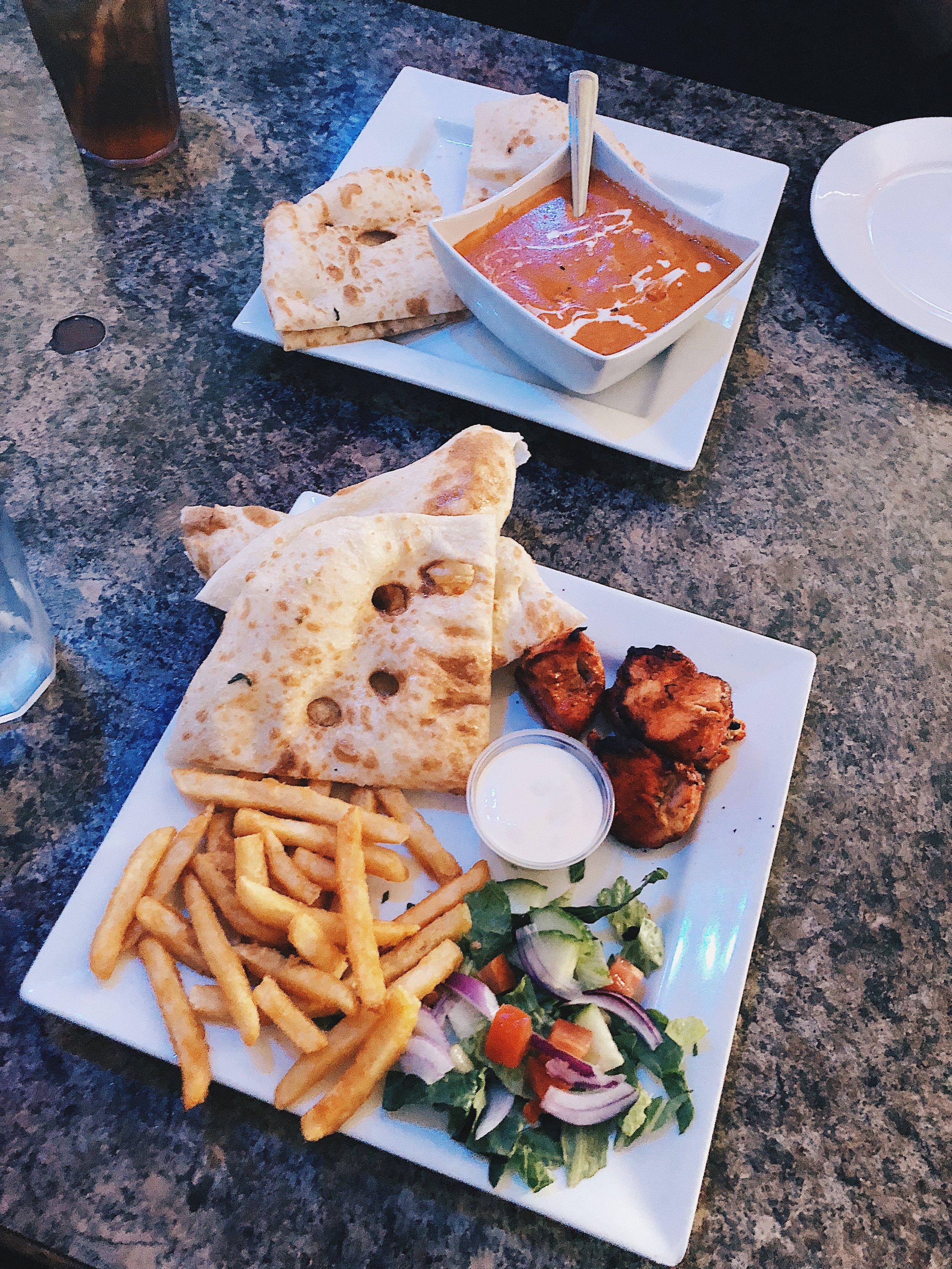 Chicken Tikka Platter with Garlic Naan, Garlic Sauce