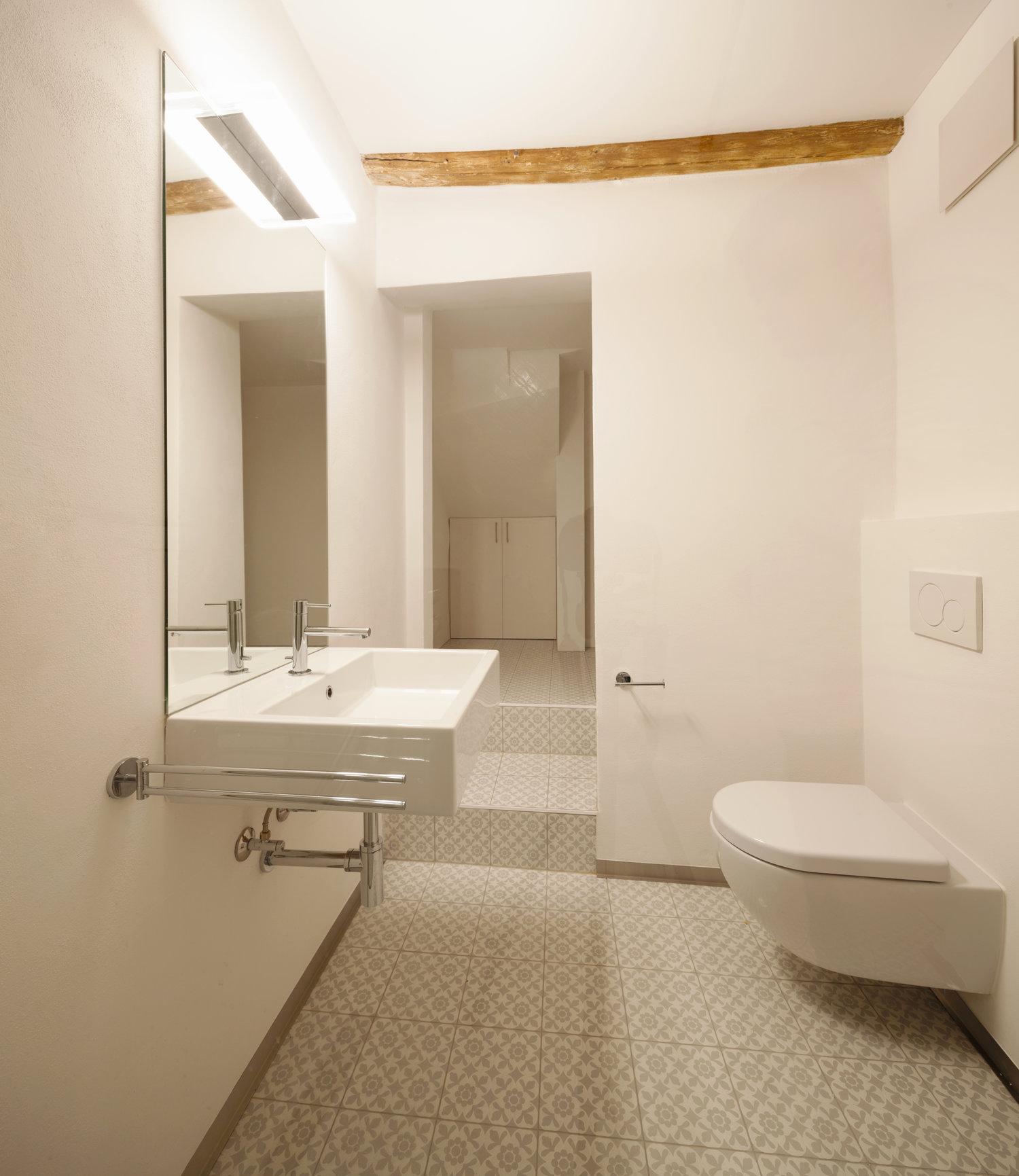 rustic apartment bathroom.jpg