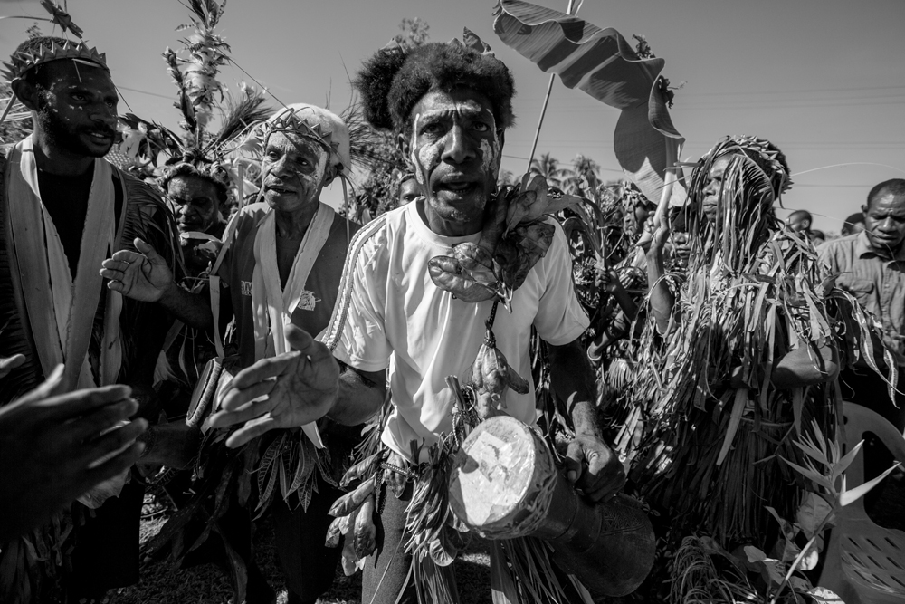 Amazing photos of people in PNG showing their traditional attire and culture.