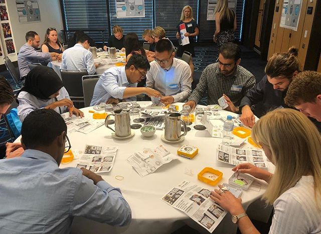 We had two awesome days in Sydney with this year's CIMIC graduates 🎓. As well as building and donating 250 SolarBuddy lights, the graduates also tackled some tough humanitarian issues and developed their own social innovations that could one day change the world! #innovation #socialchange #globalcitizens #solarbuddy #illuminatingfutures