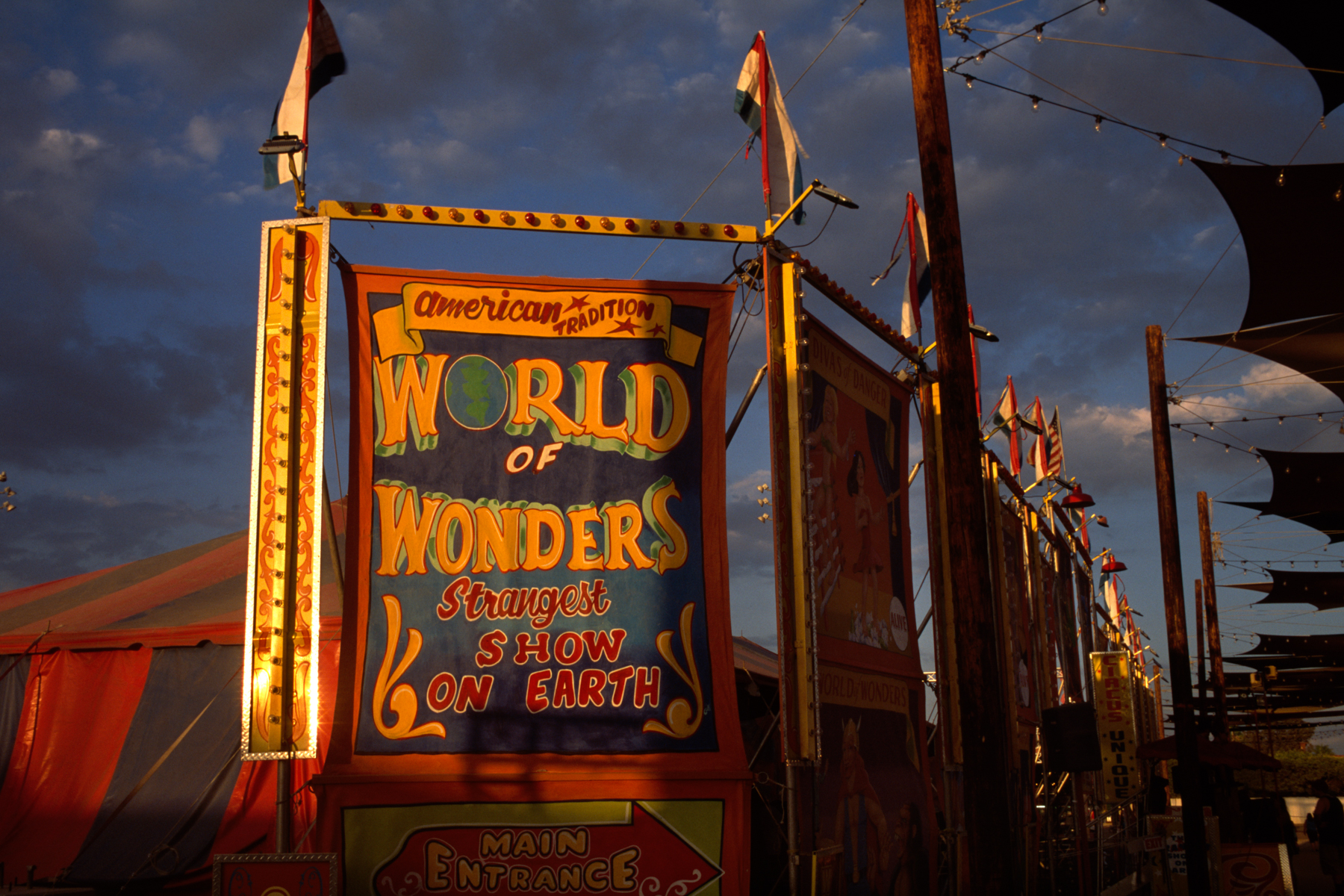 The World of Wonders sideshow