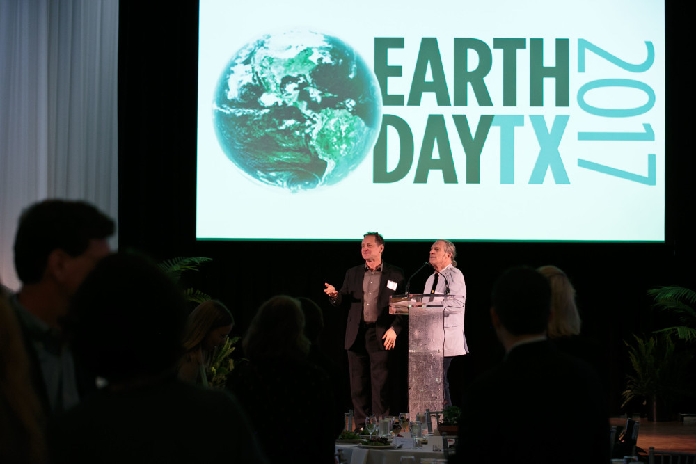 Future 500 CEO Bill Shireman and philanthropist and Earth Day Texas founder Trammell S. Crow at the 2017 Earth Day 50 Challenge convening. Image courtesy of  Jason Kindig Photography .