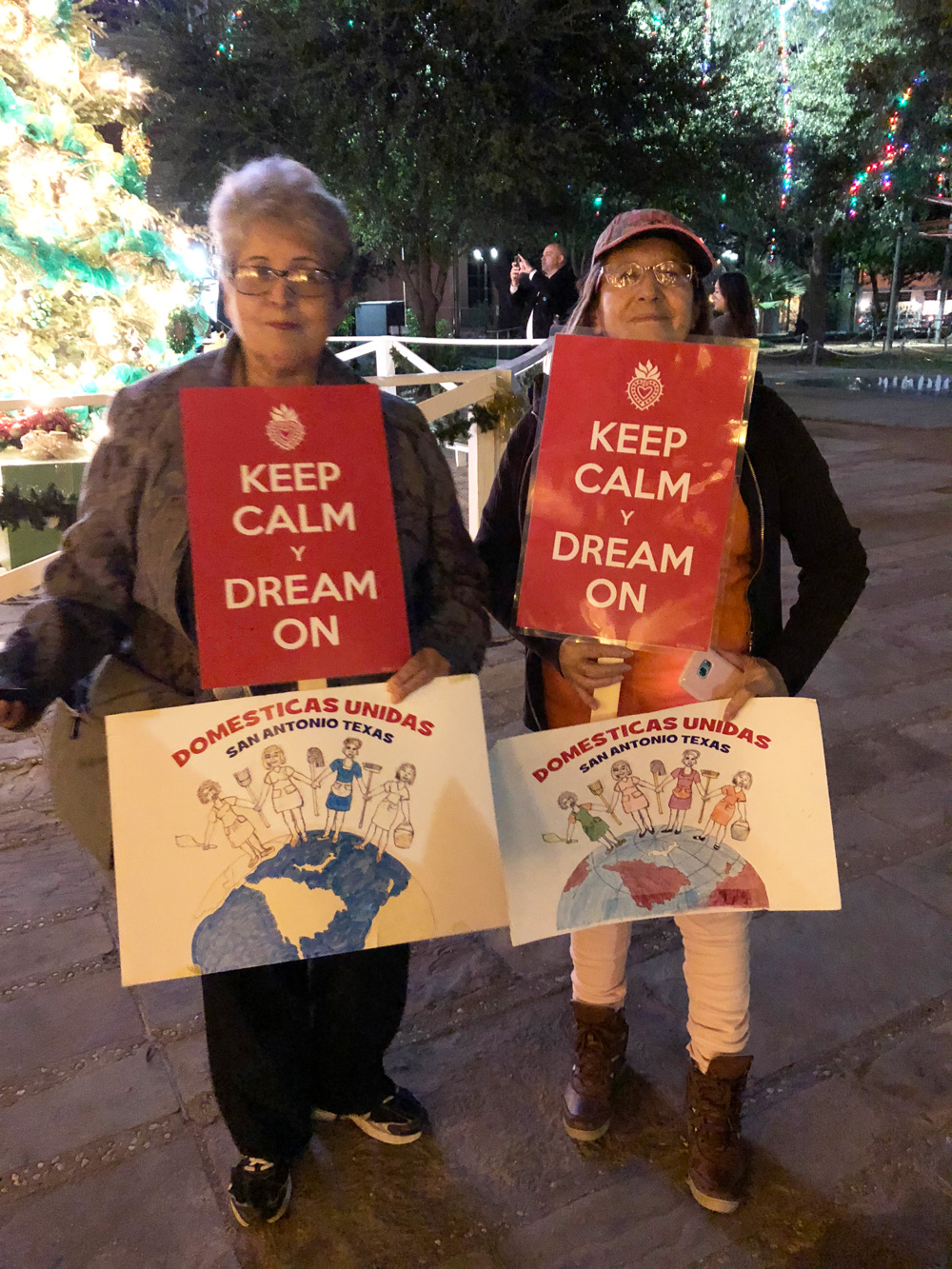 Supporters holding  Keep Calm y Dream On  signs at a rally for the dreamers in San Antonio, TX.  Photo by KSosa