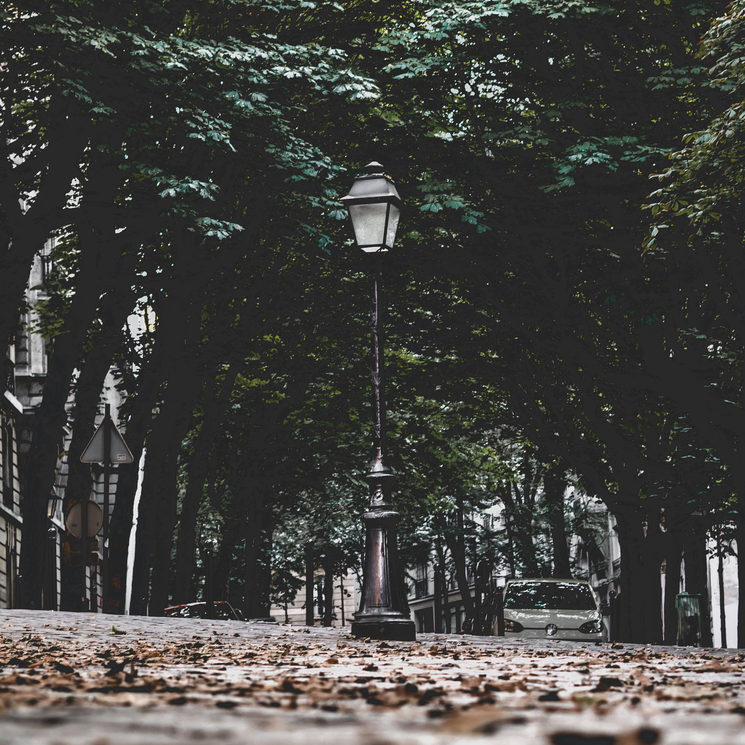 Lamp in Montmartre.jpg