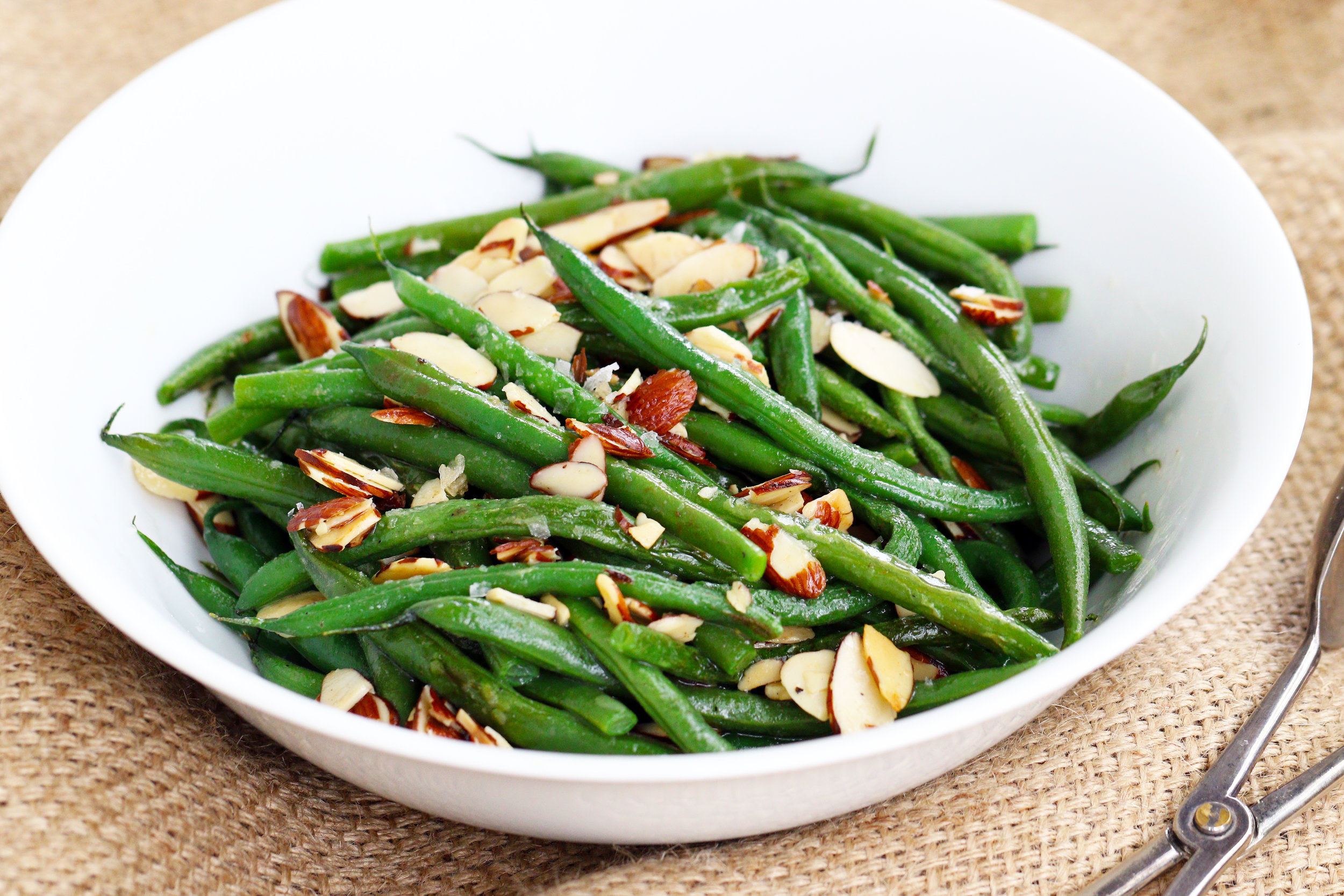 LOW CARB KETO SAUTEED GREEN BEANS WITH ALMONDS AND BUTTER RECIPE.jpg