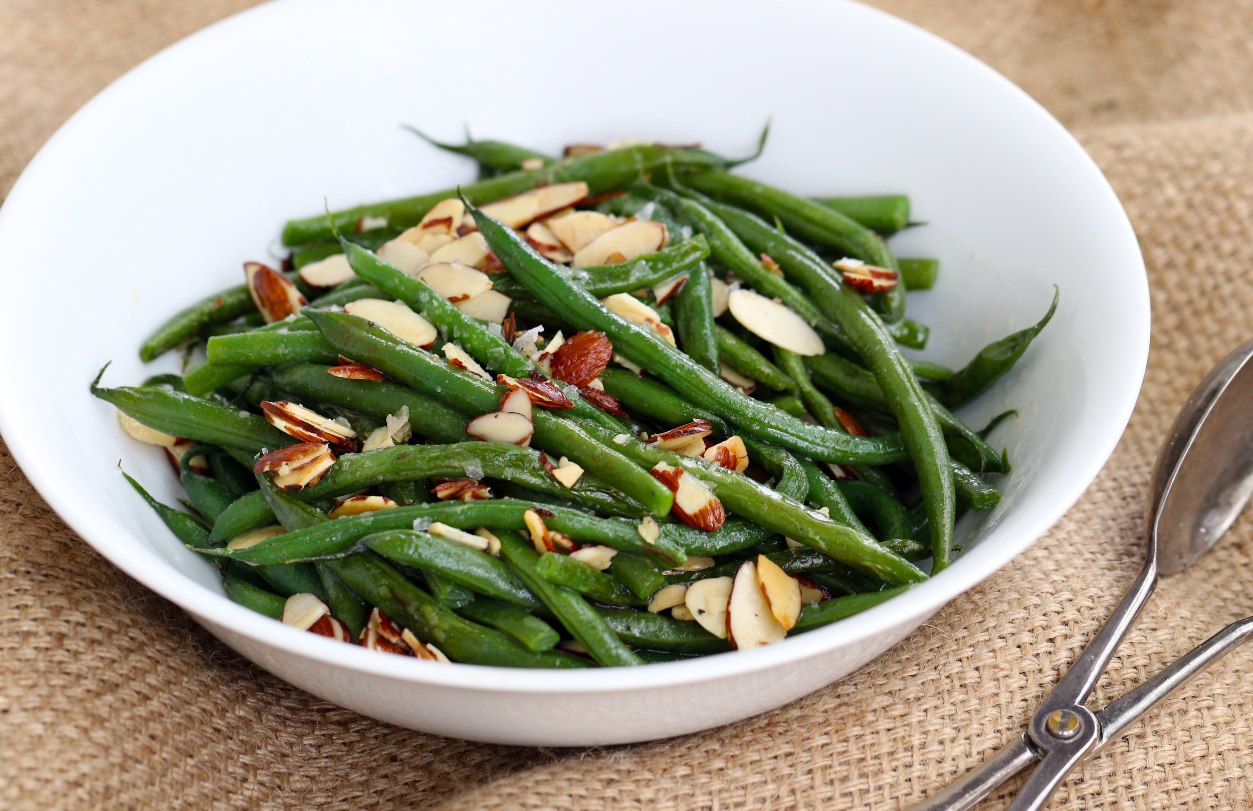green beans with almonds and butter landscape.jpg