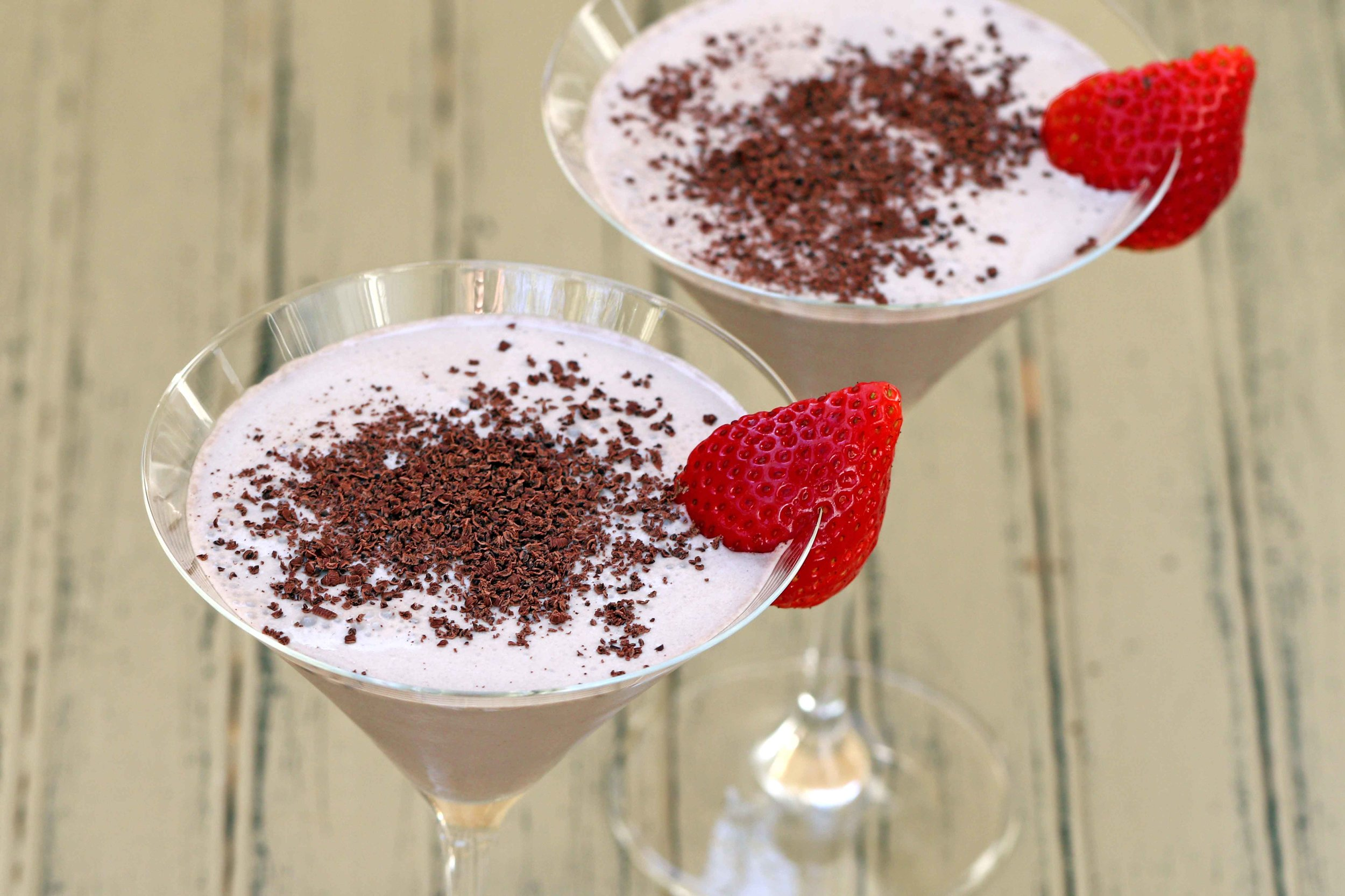 LOW CARB KETO CHOCOLATE MARTINI RECIPE.jpg