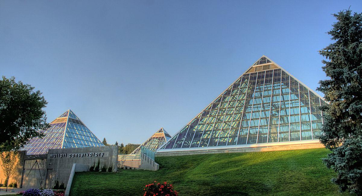 1200px-Muttart_Conservatories_Edmonton_Alberta_Canada_01A.jpg