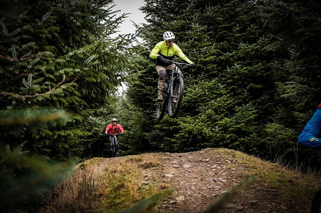 How's hump day for you? We are taking advantage of this good weather and dry trails and going for a sneaky lunchtime ride! #welovetheforestofdean it also holds the very best varied trails for coaching! ⠀ ⠀ -⠀ -⠀ -⠀ #getboosted #bikesareawesome  #boostcoffeeco #boostbikeco #bikelife #deanwye #forestofdean  #outsideisfree #girlswhoridebikes #adventuretime #ridebikeshavefun #instabike #bikecoach #mtbcoach #britishcyclingcoach #learntoride #coachlife #learnnewthings #learntorideabike #skills #enduromtb #ebike #bikedays #coachit #cyclingcoach #emtb #bikeskills #mtbskills