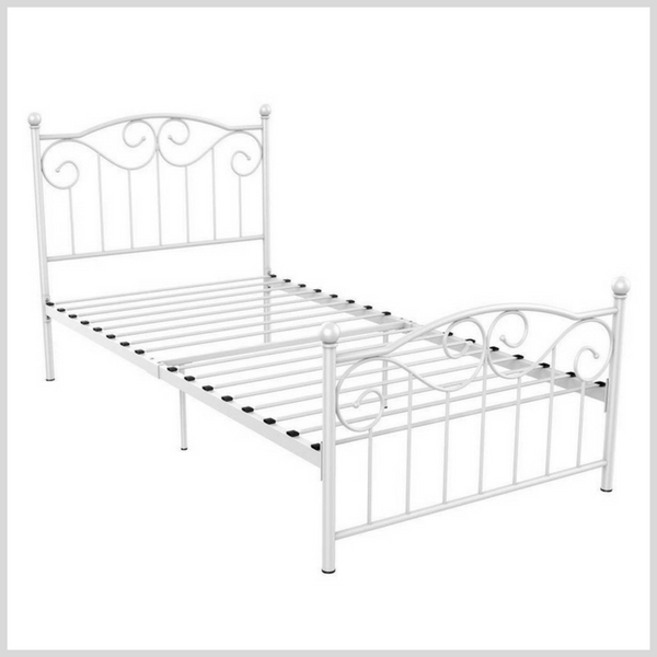 Little Girl Bed 2.png