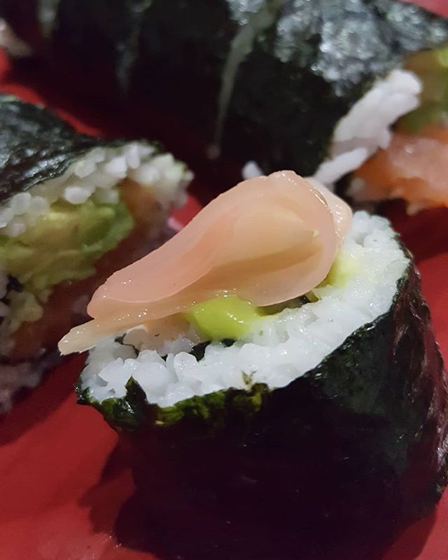 Diversifying the portfolio with something I never shot before. Thought I would give sushi a try. If you're in the market for new menu or food photography message me! . . . #foodphotography #foodpics #sushi #photography #youngstownphotographer #mahoningvalley #foodphoto #seaweed #pickledginger #asianflare #creativelife