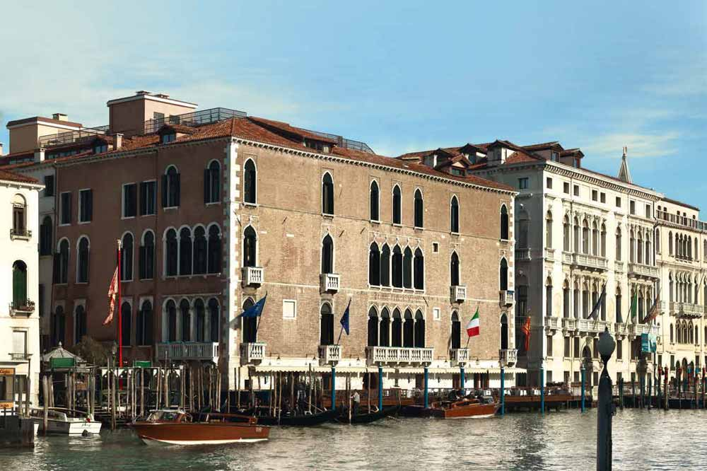 Luxury-Travel--p170-171_GrittiPalace-1.jpg