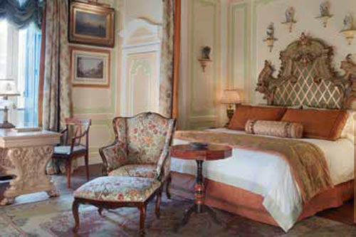 Luxury-Travel--p170-171_GrittiPalace-5.jpg