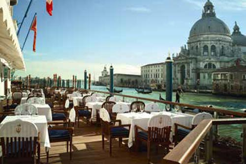 Luxury-Travel--p170-171_GrittiPalace-7.jpg