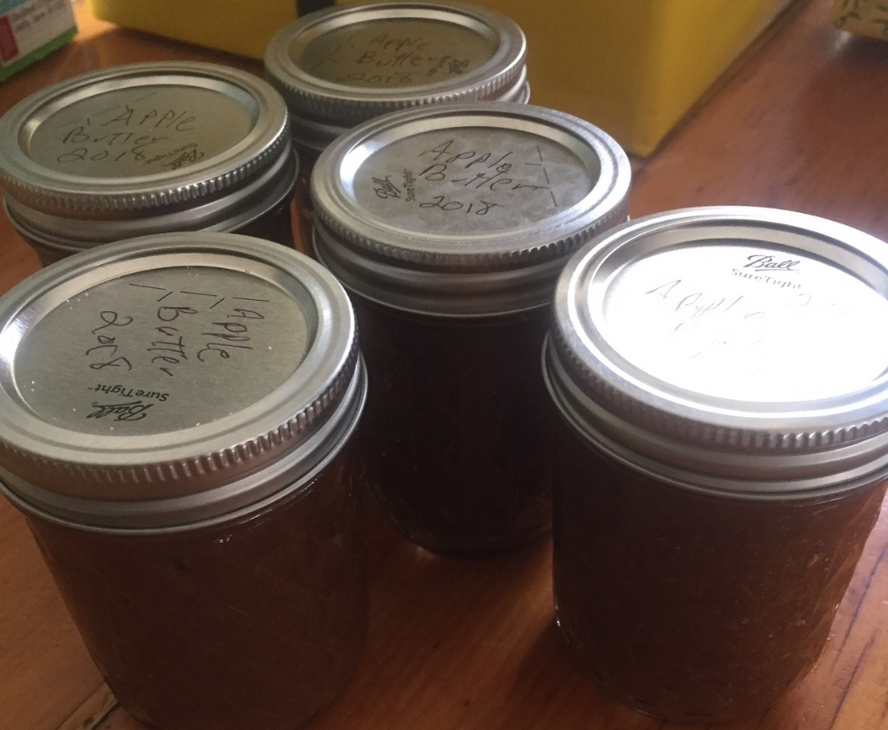 Pint jars of Apple Butter 2018