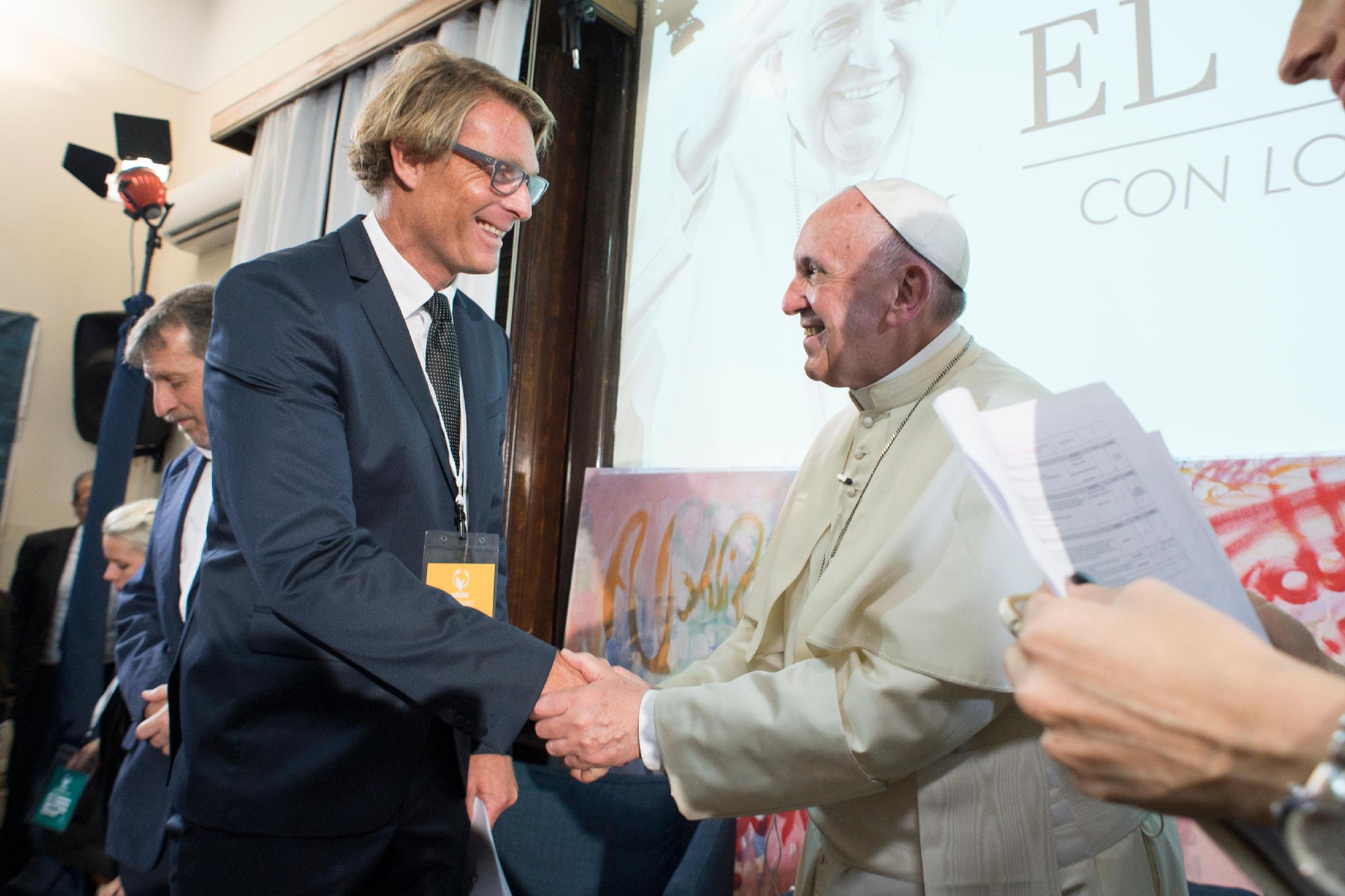 Tom + Pope Francis.jpg