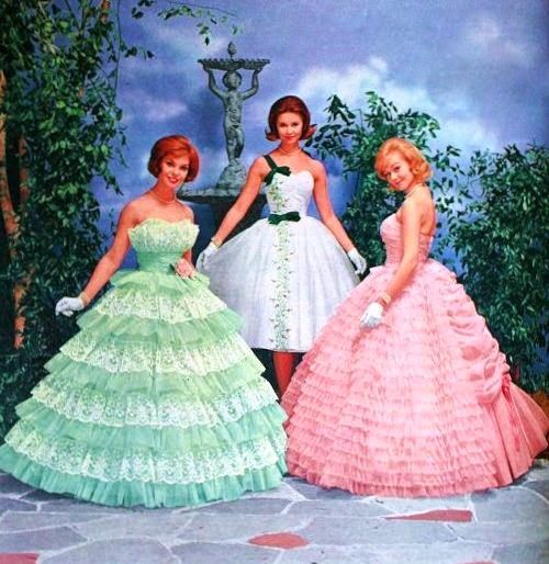 We have a dress in the shop that could be a twin of the green one. Pictured further down