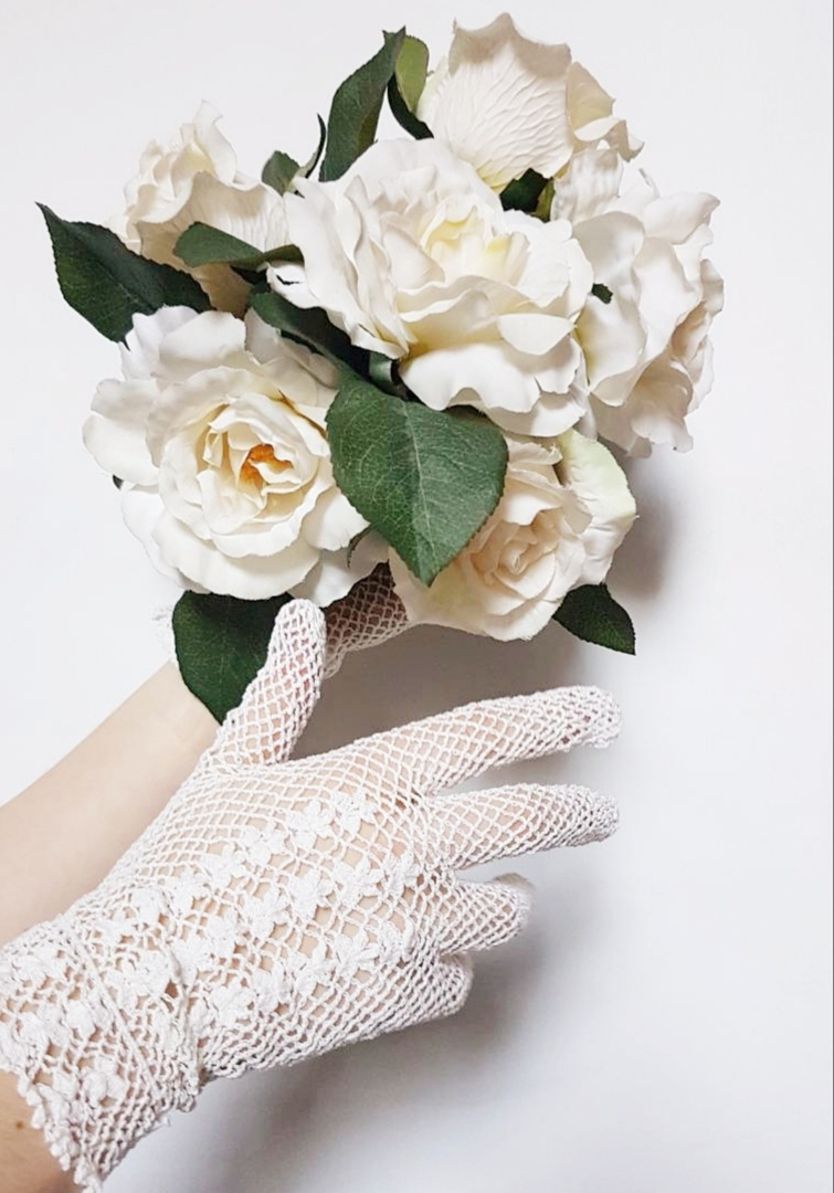 Gloves   If you want to create a very vintage and glamorous look then gloves are a must! We have a huge collection in different colours and lengths, in simple and intricate styles.