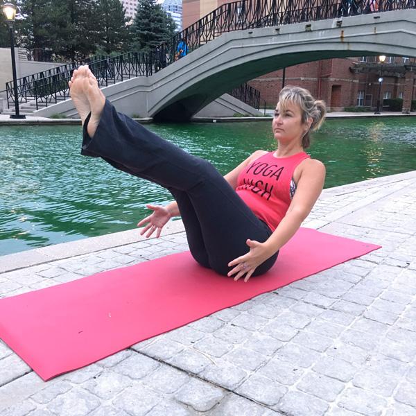 kompose-instructors-pose-sarah-h.jpg