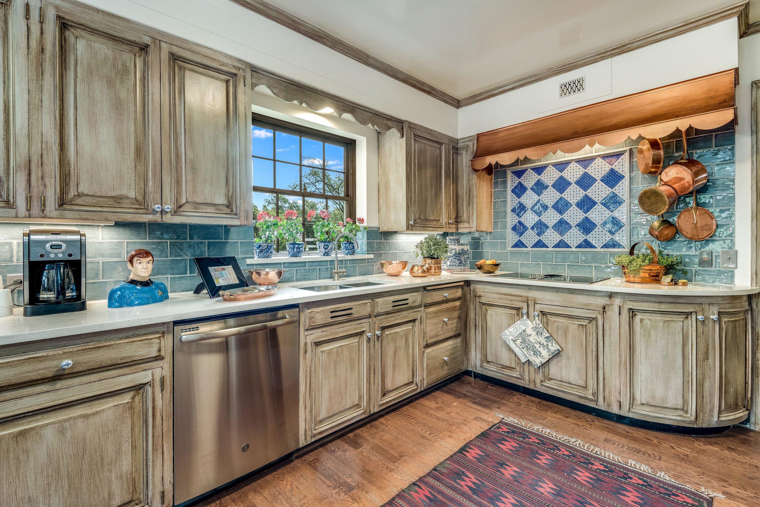 Eddy Keeler - kitchen - 2018 -LN.jpeg