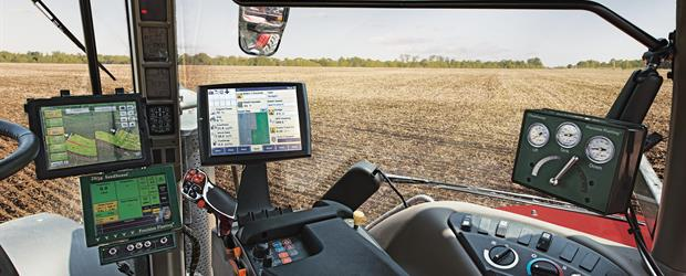 Precision_Planting_monitors_installed_1320_07-14_CC_mr.jpg