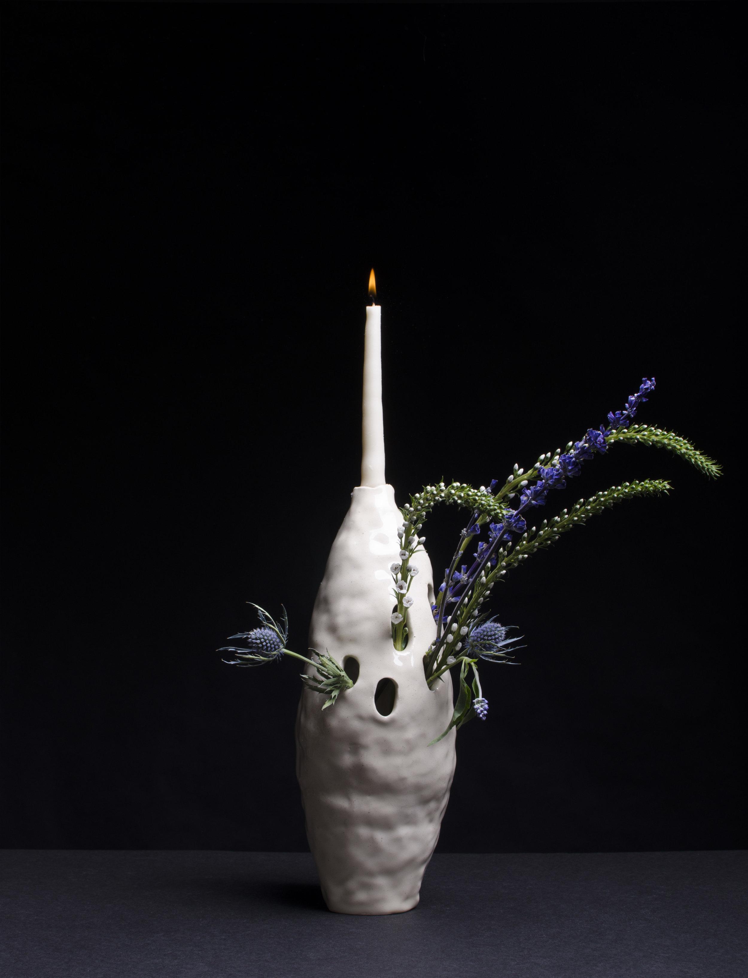 hole vase candle.jpg