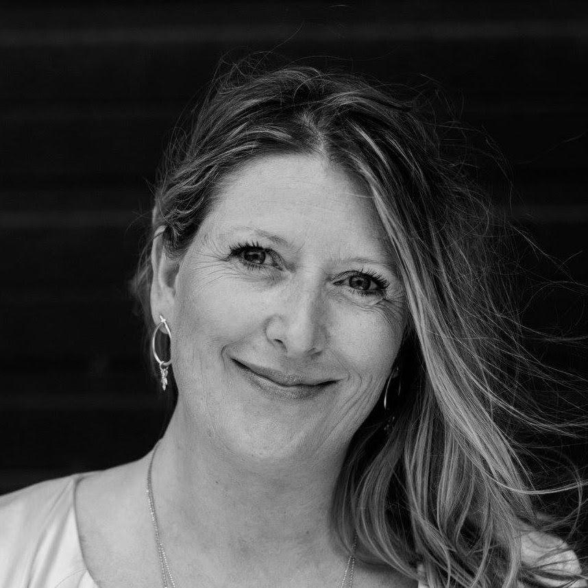 Sofie Halkjær - Grundlægger & Partner+45 30 11 63 23sofie@humanuniverz.comLinkedIn