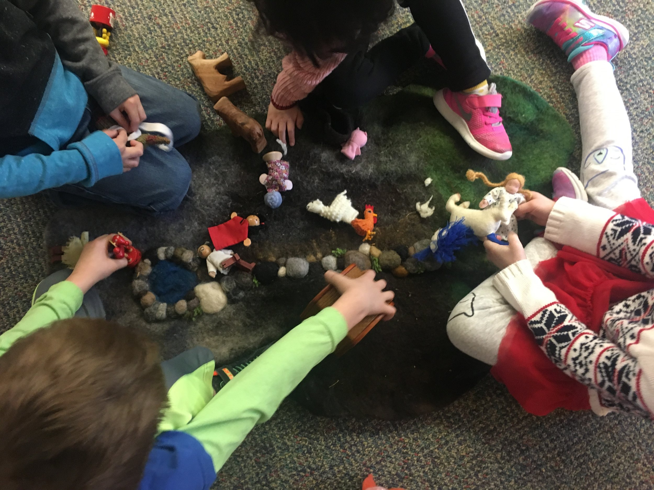 Kids playing with felts.jpg