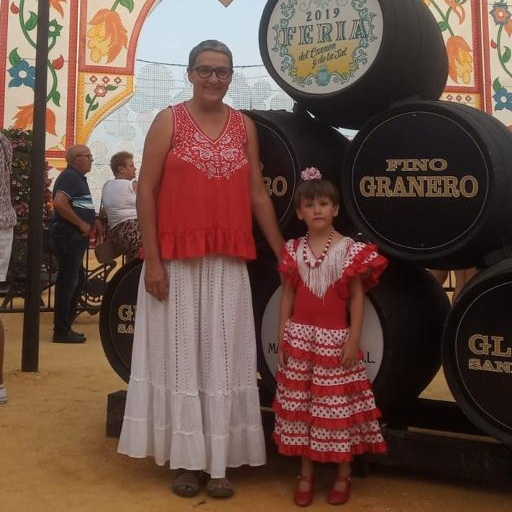 Milagros and her daughter, Maria, at la feria.