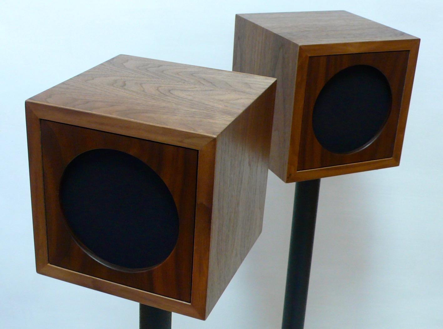 El Boxo Uno Speakers