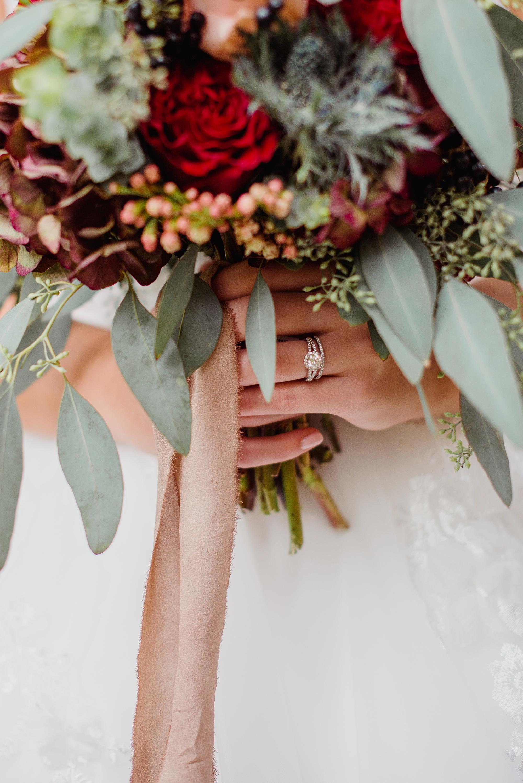 beautiful wedding ring photo fall flower bouquet