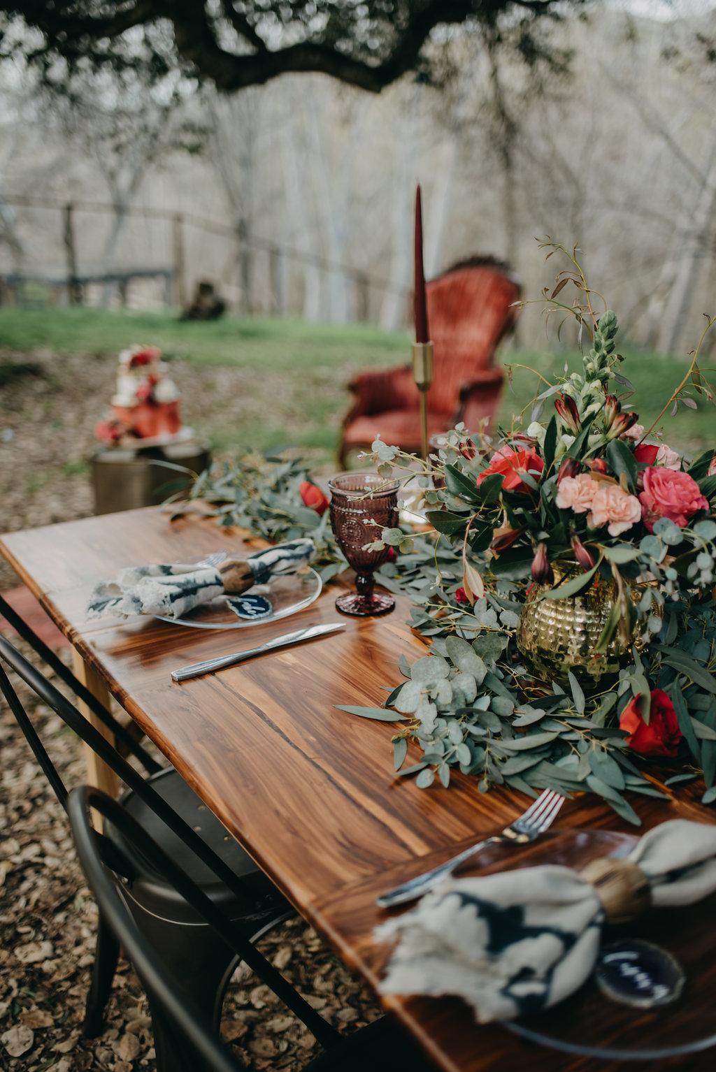 rustic boho wedding decoration outdoor wedding photoshoot with seasonal fall flowers