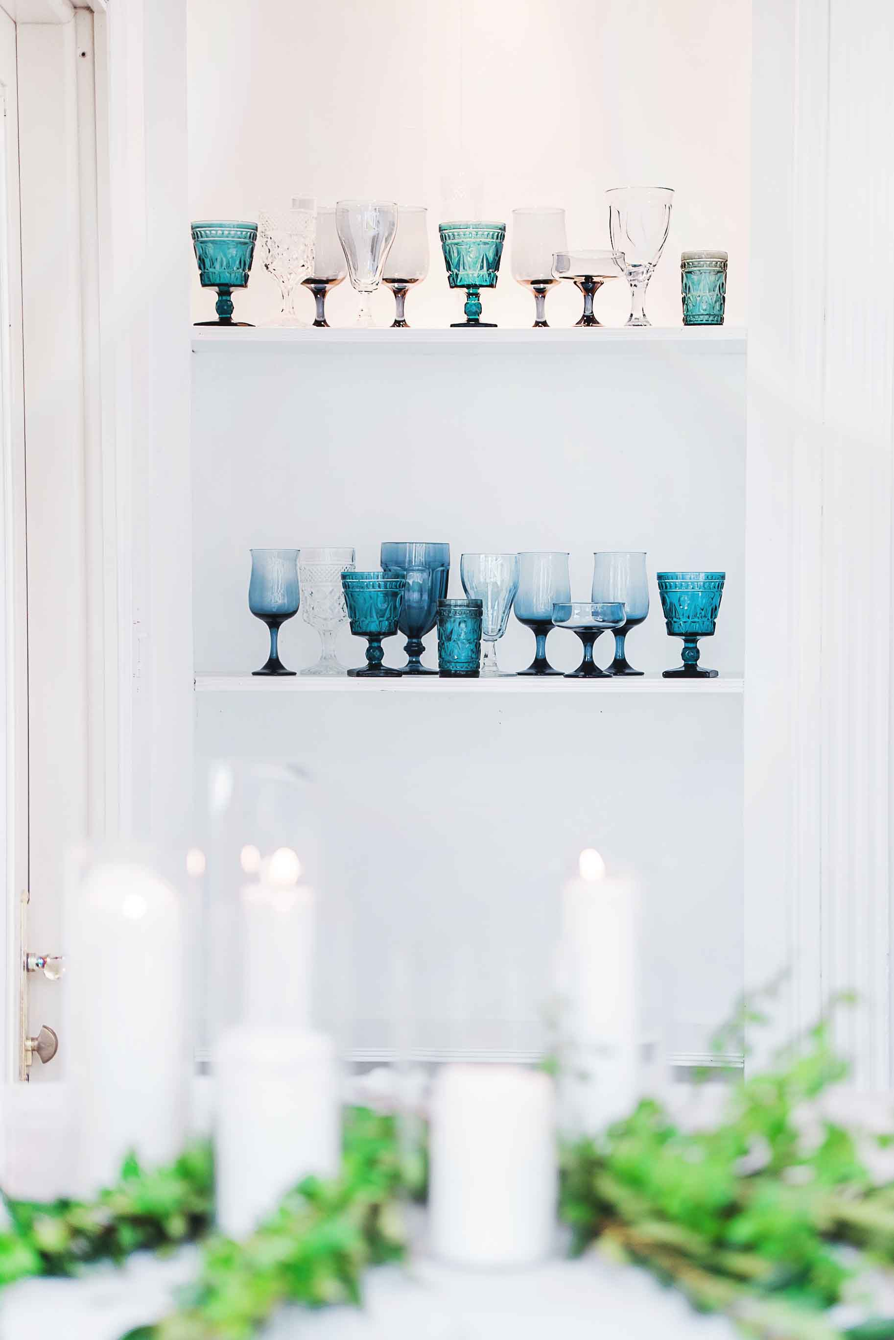 simple kinfolk blue themed wedding