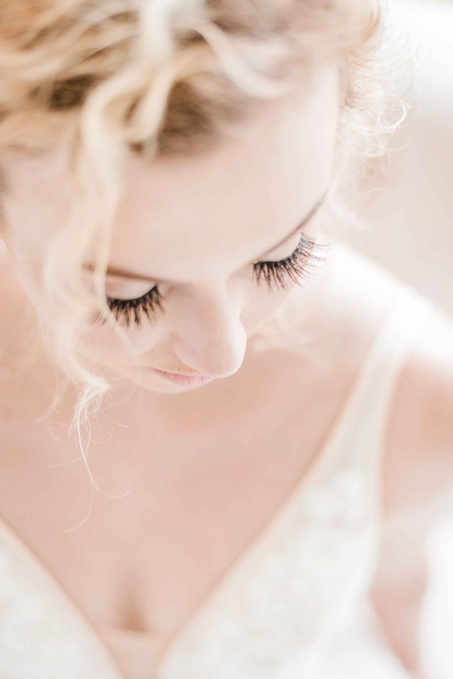 bridal makeup simple modern bride perfect wedding dress