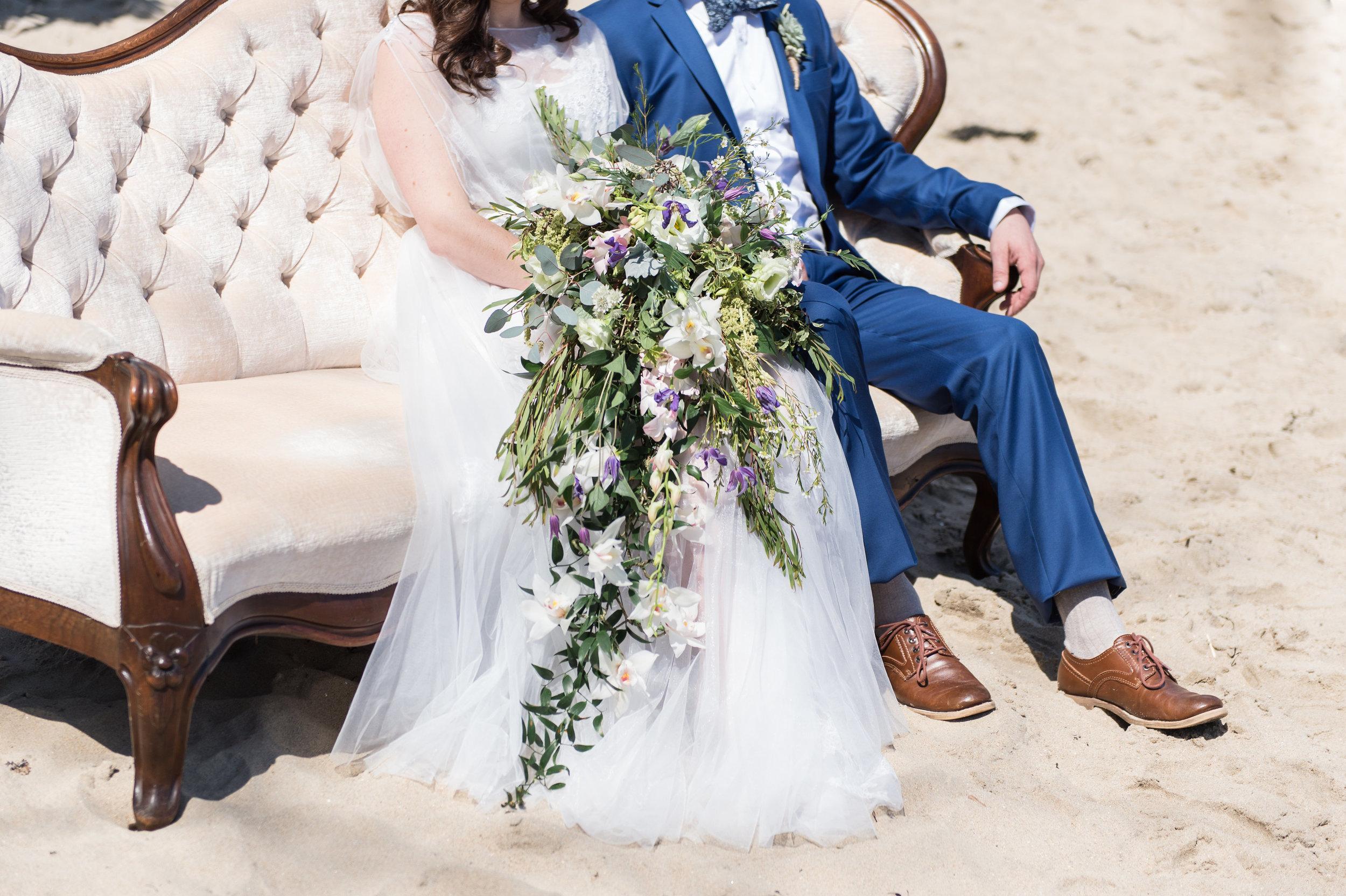 beach wedding photography cascade wedding bouquet