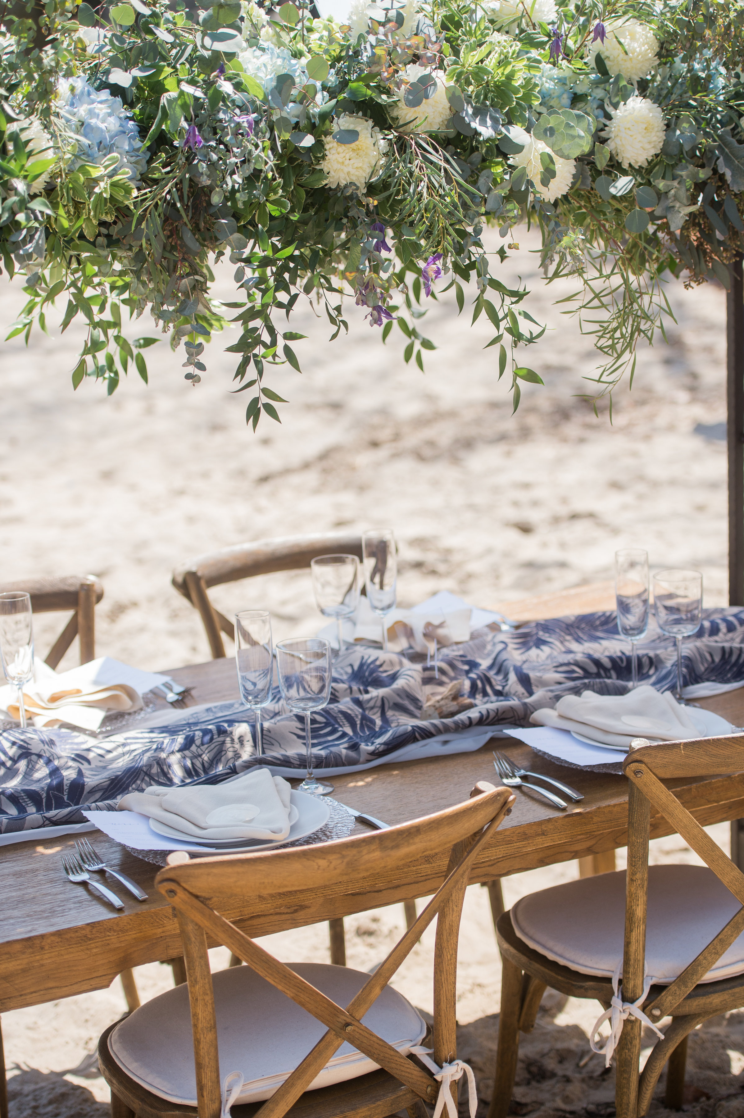 beach wedding outdoor wedding table set
