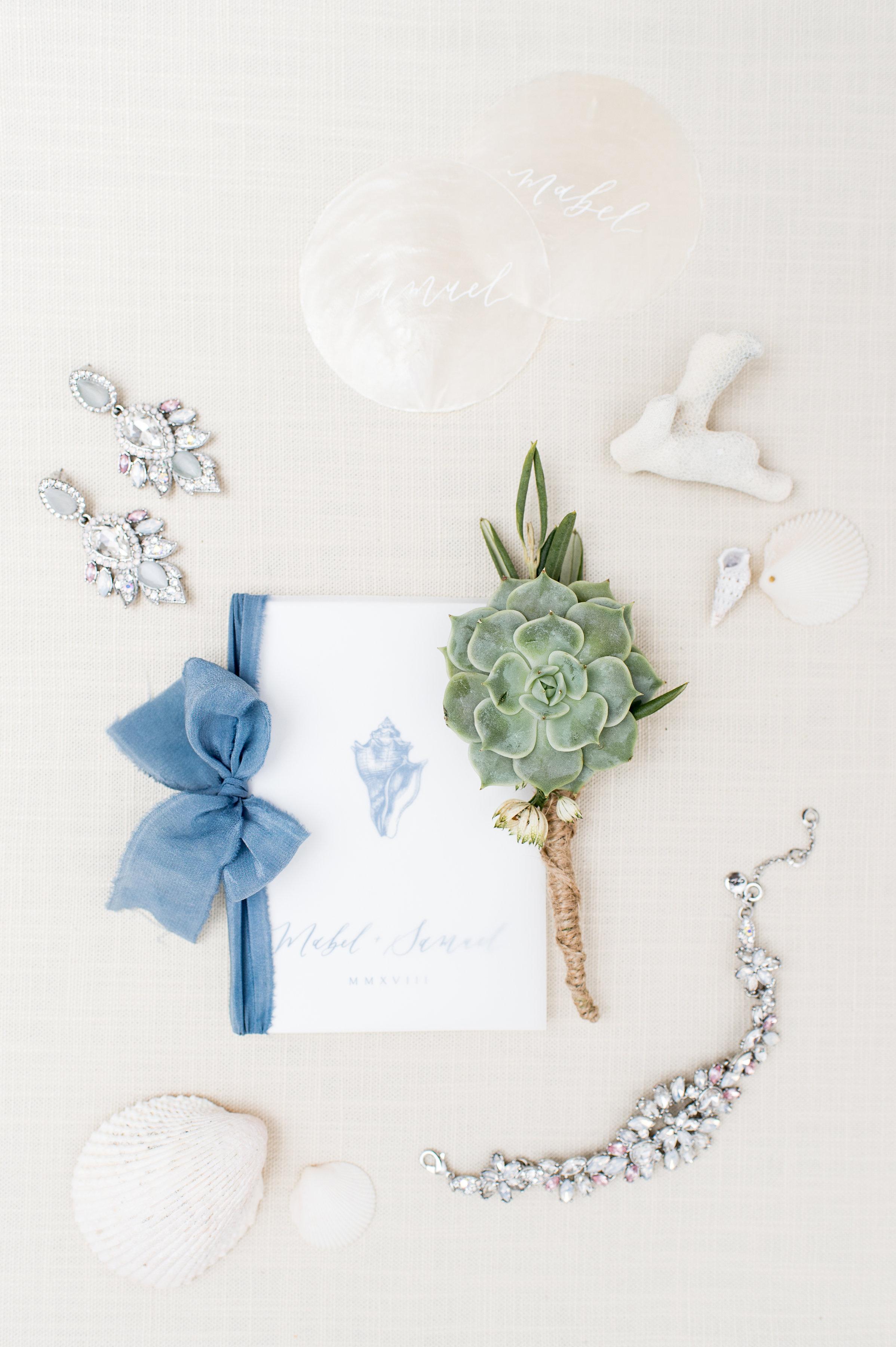 succulent boutonniere unique wedding invitation and boutonniere photography