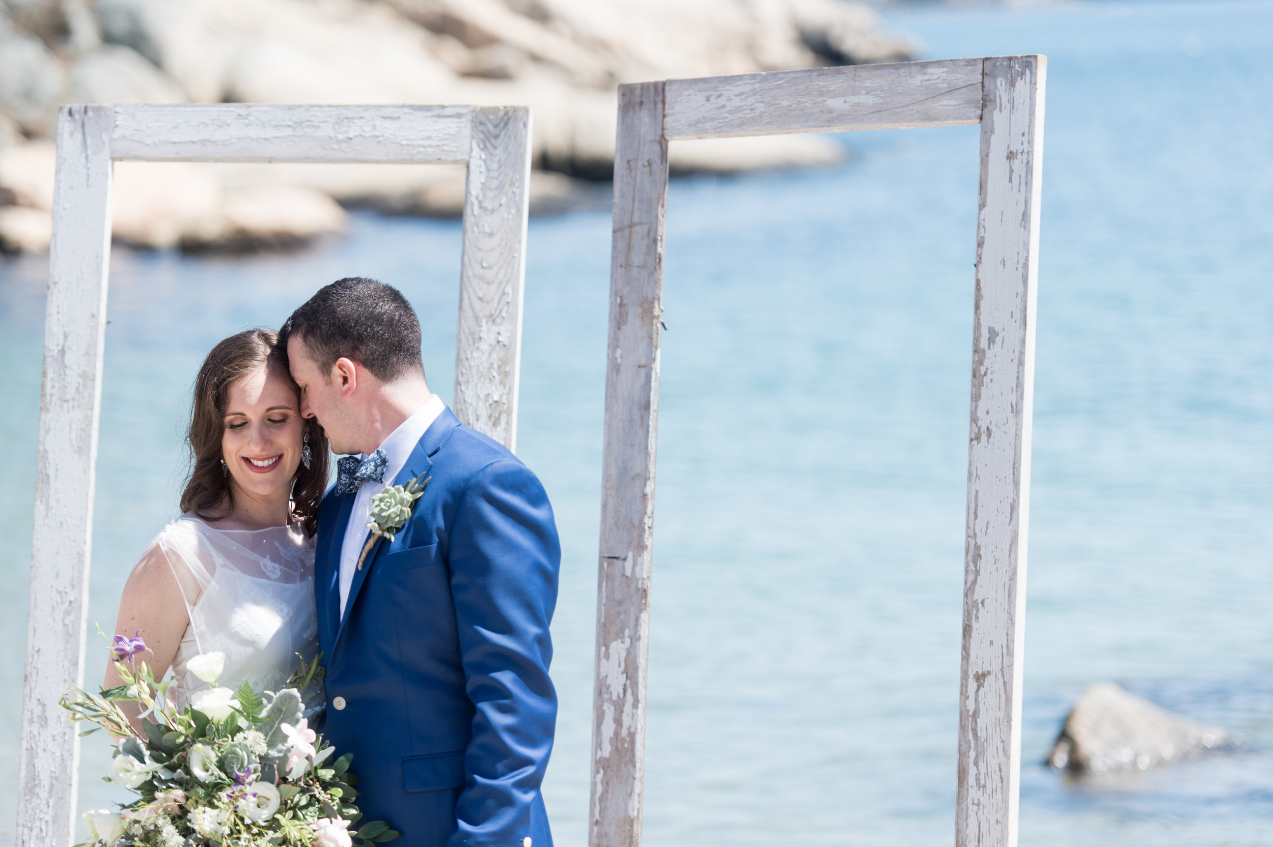 couple photography inspiration beach summer wedding outdoor photography