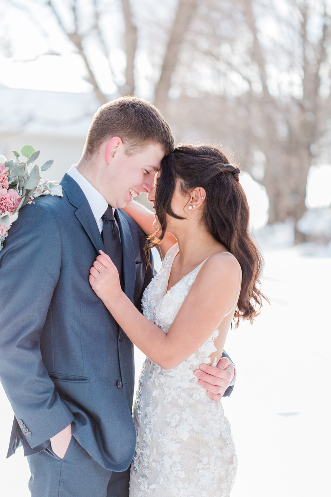 winter snowy outdoor wedding photo