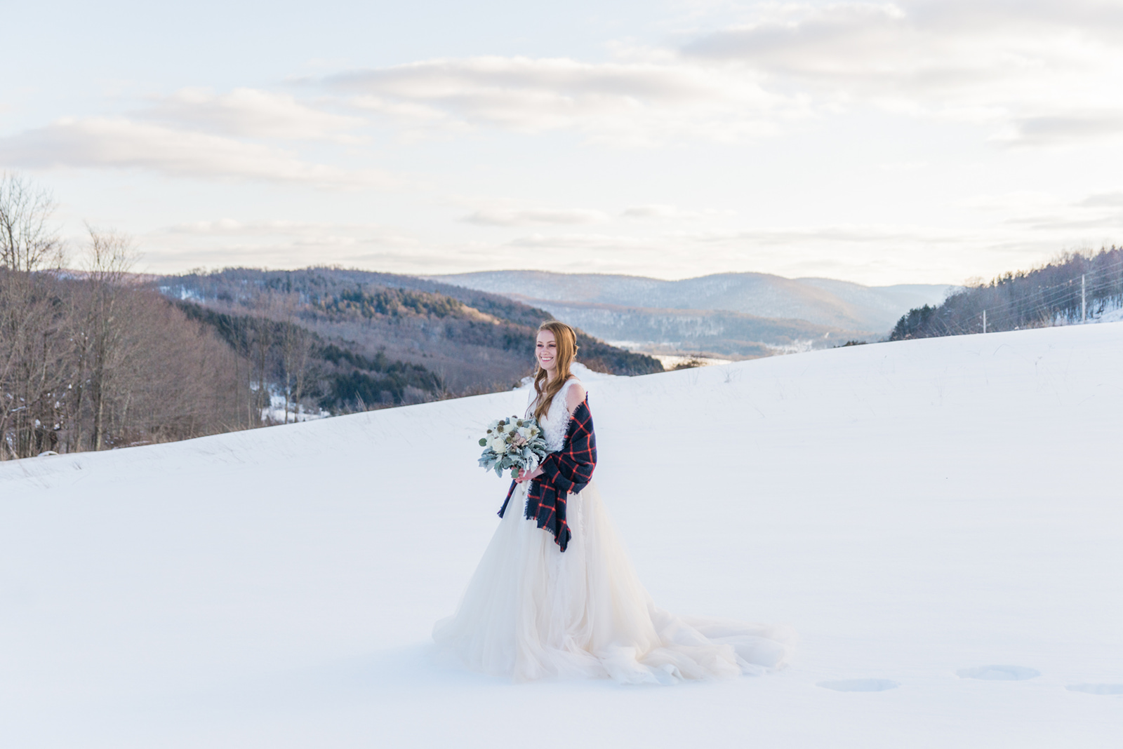 OUTDOOR WEDDING PHOTOGRAPHY SNOWY WHITE FIELD WINTER WEDDING MOUNTAIN WEDDING