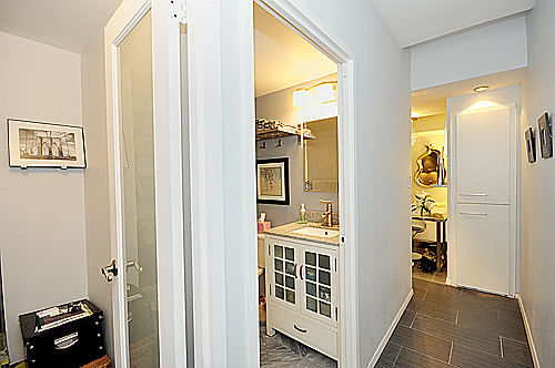 150W51-apt1129-Hallway&Office.jpg