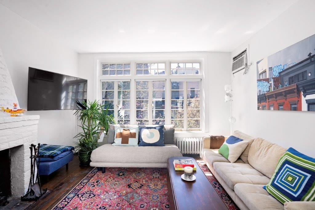 73bedford.livingroom.jpg