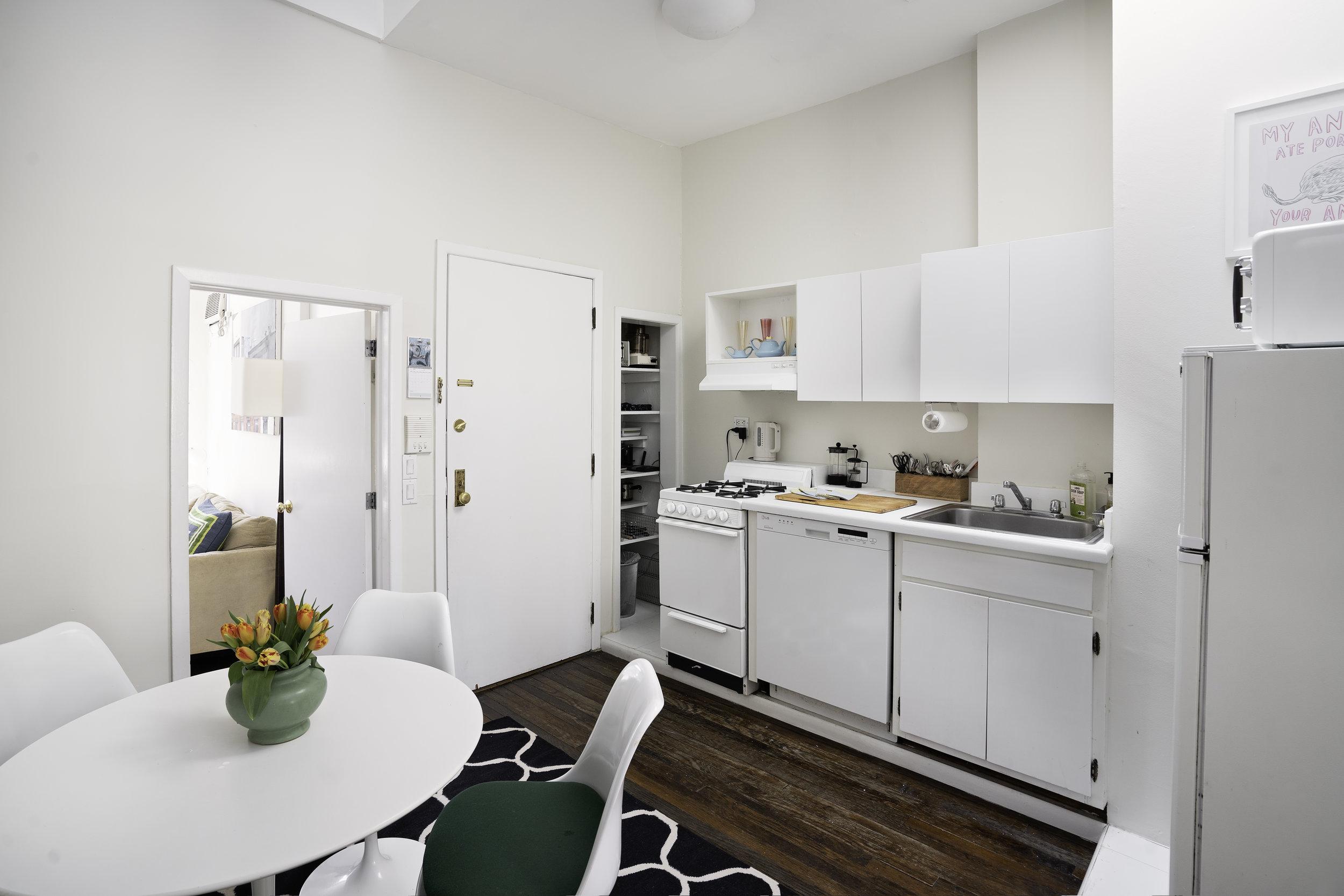 73bedford.kitchen.jpg