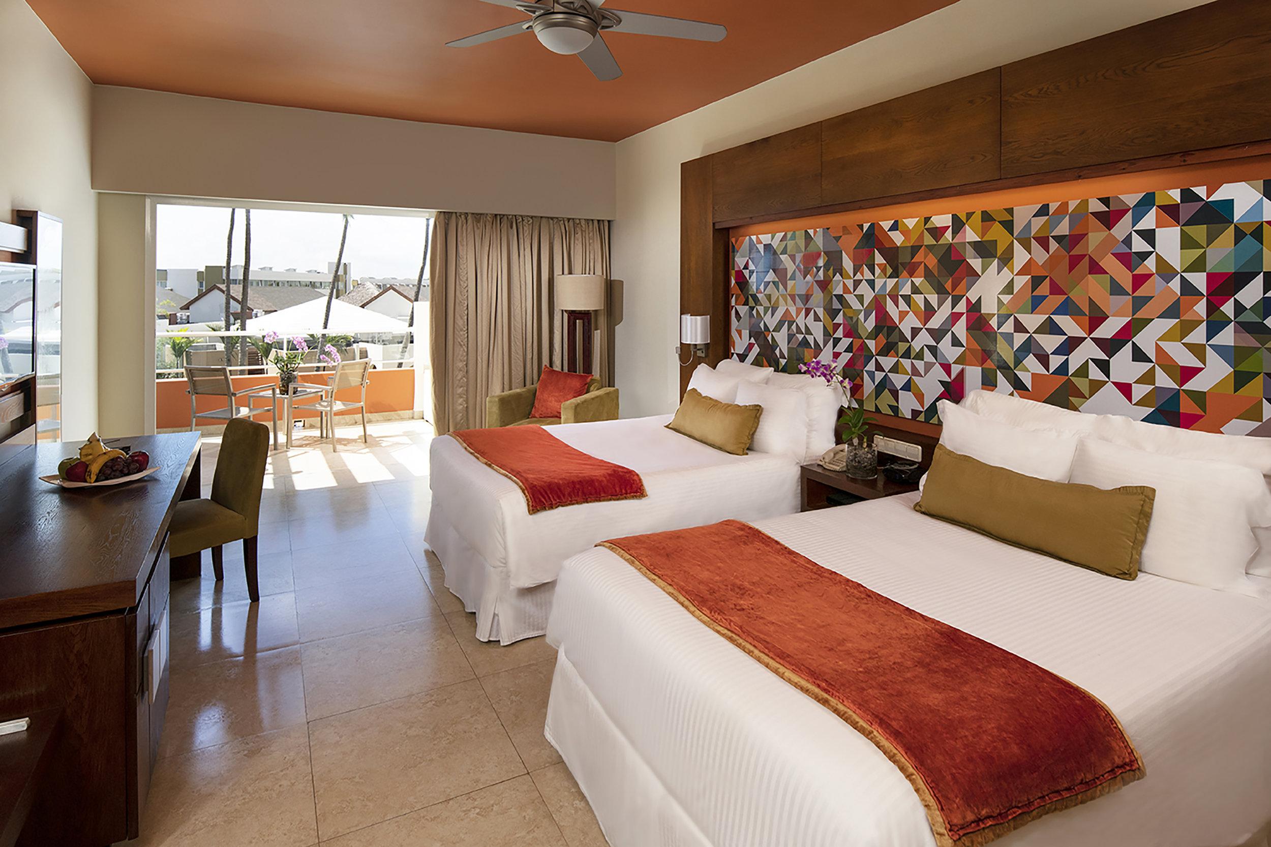Junior Suite with Queen Beds