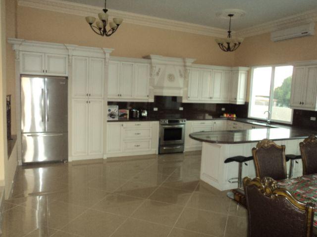 aruba kitchen.jpg