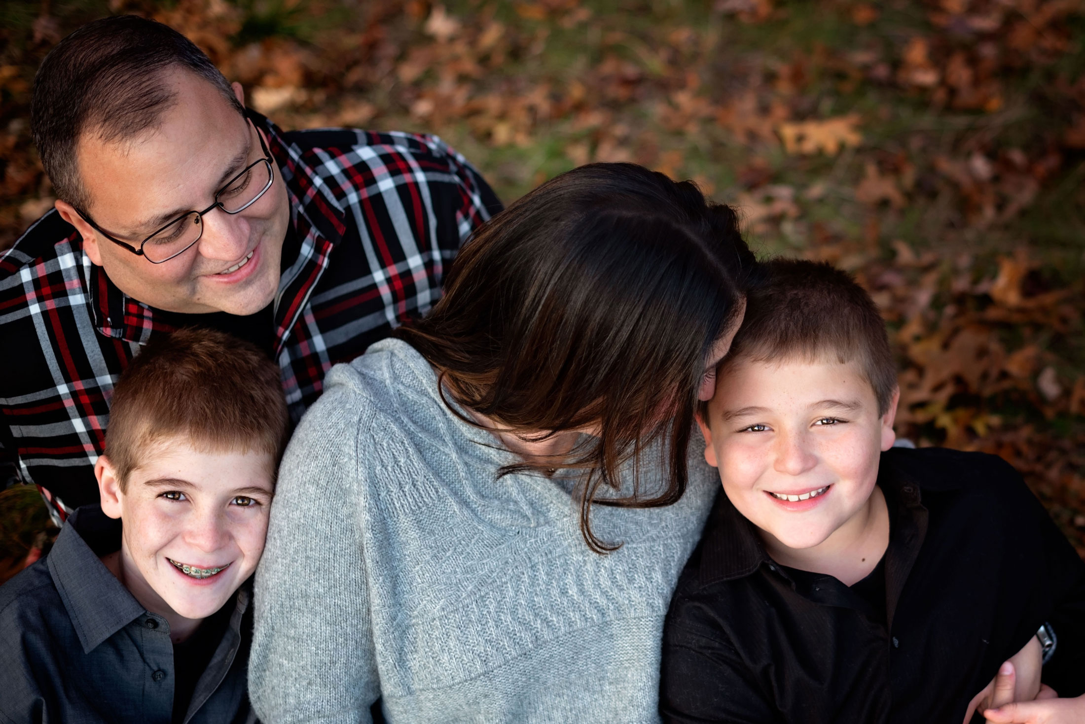 Family-Pictures-Lancaster-MA-ChasetheGlowPhotography.jpg