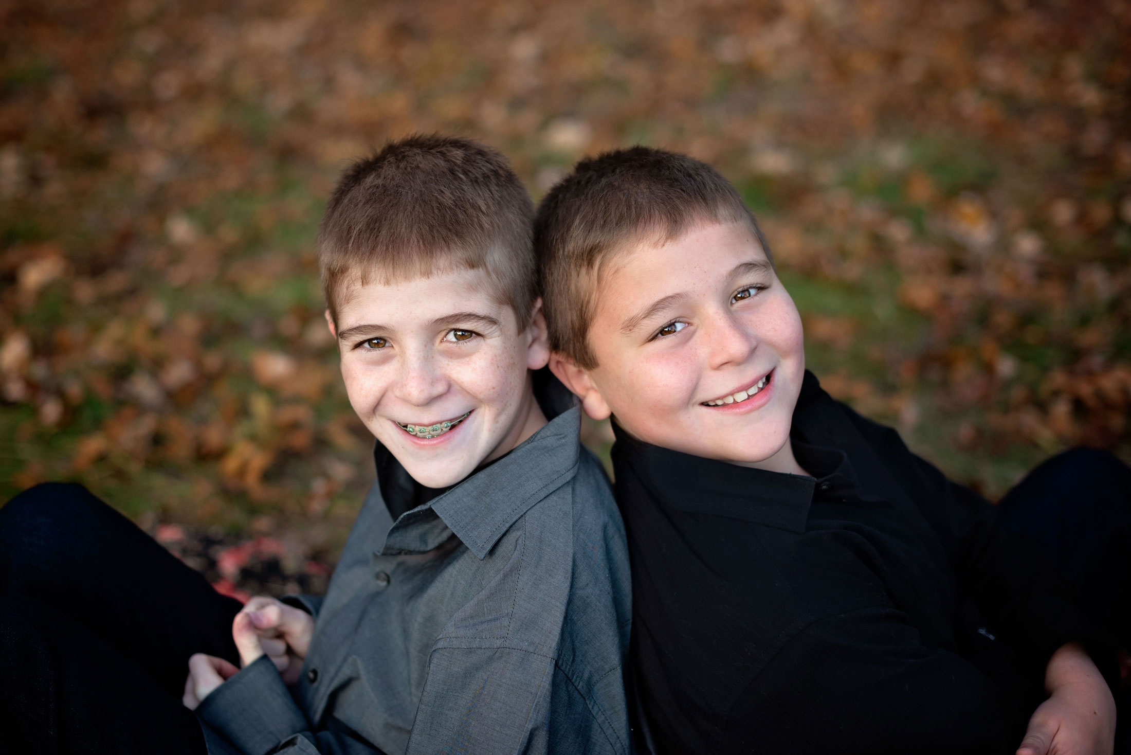 Family-Portrait-Siblings-Fall-Central-MA.jpg